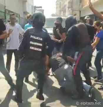 Efectivos de Poliaragua arremeten contra comerciantes por incumplir cuarentena en Maracay - El Pitazo