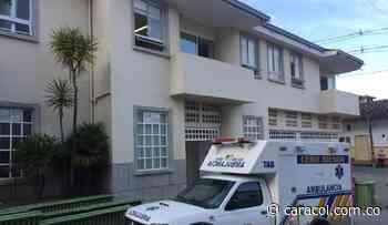 El Hospital de Titiribí le debe nueve quincenas a sus empleados - Caracol Radio