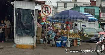 Reordenan al comercio informal en Cerro Azul - La Opinión