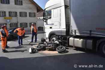 Bildergalerie: Beim Abbiegen übersehen: Motorradfahrer wird bei Unfall in Marktoberdorf schwer verletzt - Mar - all-in.de - Das Allgäu Online!