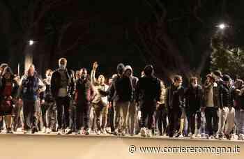 Cesenatico, il corteo contro il coprifuoco torna anche sabato - Corriere Romagna
