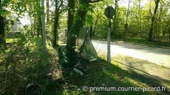 Ivre, il percute la clôture de la gendarmerie de Chantilly - Courrier picard