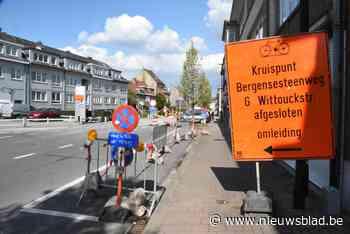 Werf op Bergensesteenweg wisselt van straatkant (Sint-Pieters-Leeuw) - Het Nieuwsblad