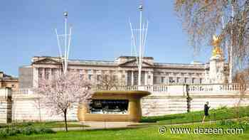 Mizzi Studio builds golden coffee kiosk alongside Buckingham Palace - Dezeen