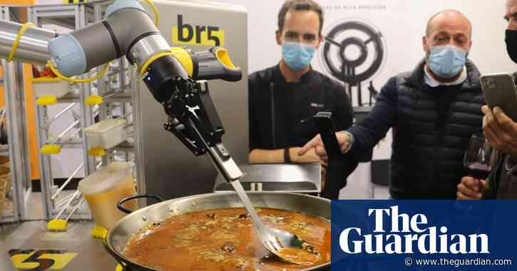 Robot that can cook a paella is causing quite a stir in Spain