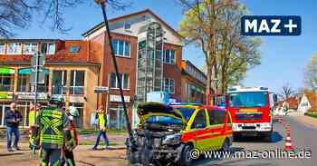 Unfall mit Notarztfahrzeug in Hohen Neuendorf - Märkische Allgemeine Zeitung