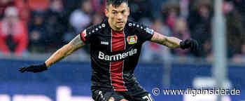 Bayer Leverkusen: Charles Aránguiz tritt die nächsten Tage kürzer - LigaInsider