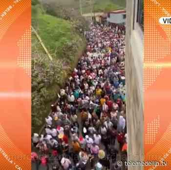 Aglomeraciones en Anorí durante protestas de campesinos y mineros - Telemedellín