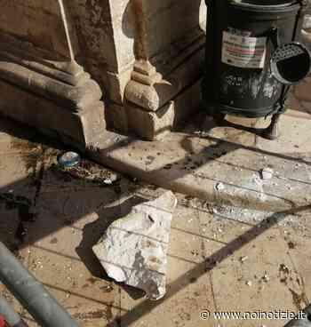 Martina Franca: si stacca pezzo di cornicione all'angolo della piazza nel centro storico - Noi Notizie