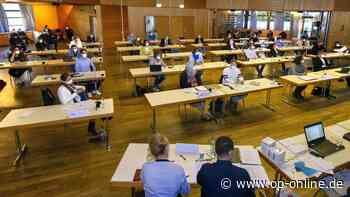 Neue Stadtverordnetenversammlung: Konstituierende Sitzung in Seligenstadt mit Überraschung - op-online.de