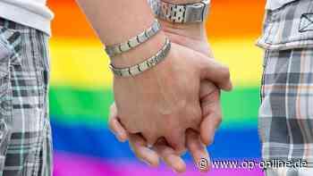 Seligenstadts Pfarrer Holger Allmenroeder stellt Segnungsverbot für homosexuelle Paare in Frage - op-online.de