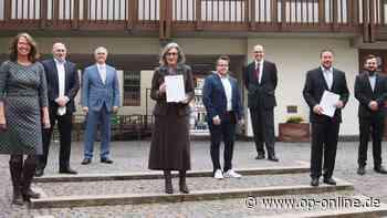 Nach der Kommunalwahl: CDU und FDP präsentieren Koalitionsvereinbarung im Rathaus Seligenstadt - op-online.de