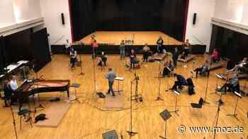 Musik während Corona: Rias Kammerchor Berlin produziert CD im Bürgerhaus Neuenhagen - moz.de