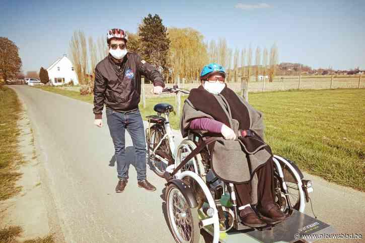 E.T. en Top Gun moeten rusthuisbewoners aan rolstoelfiets helpen<BR />