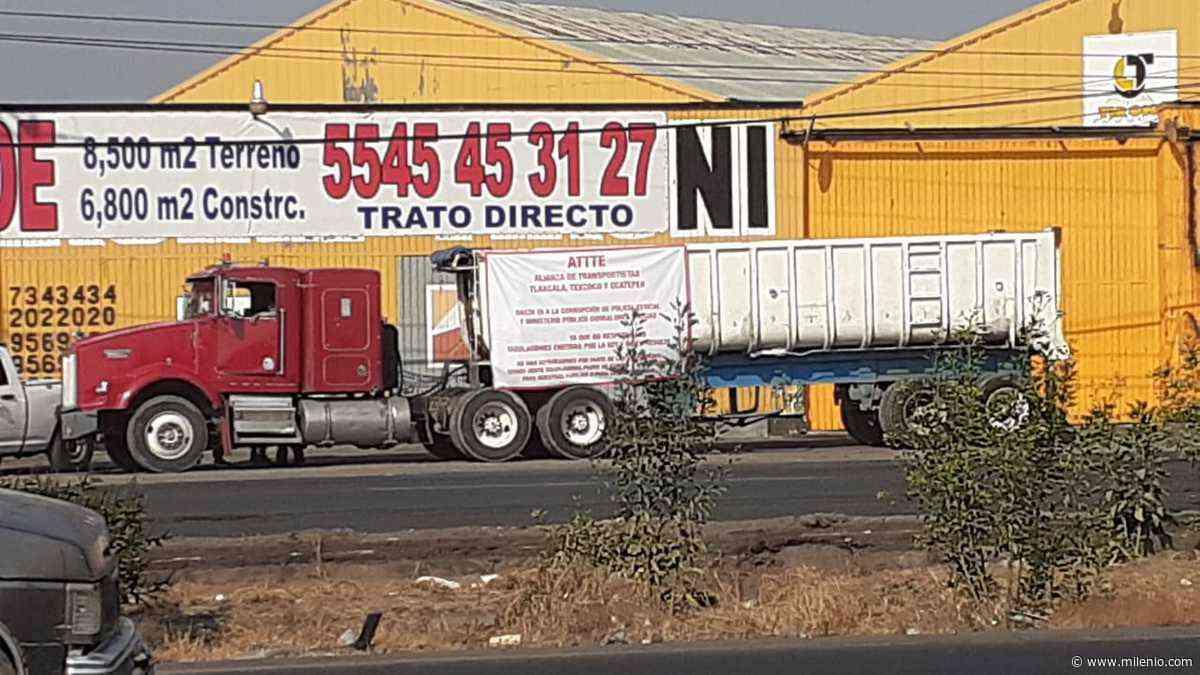 Transportistas protestan por abusos de corporaciones policiacas, grúas y corralones - Milenio