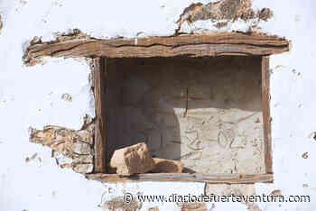 La ermita de La Capellanía, en la UCI por culpa del abandono y la desidia - Diario de Fuerteventura