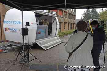 Marcel Vanthilt houdt met Radio on tour halt aan Hof ter Boonwijk<BR />