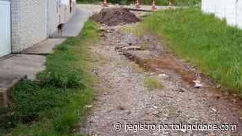 Abandono e falta de conservação de rua em Cananeia preocupa moradores - Adilson Cabral