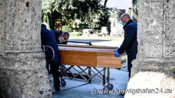 Corona in Ludwigshafen: Diese Regeln gelten bei Beerdigungen und Trauerfeiern - ludwigshafen24.de