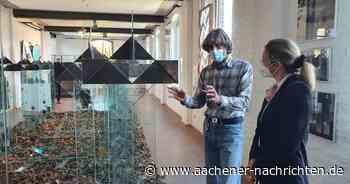 Leicht anzusehen, schwer zu schleppen: Santarossas Glaskunst im Museum Linnich - Aachener Nachrichten