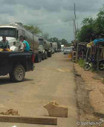 Zulia | Productores cierran la carretera Machiques-Colón en protesta por escasez de combustible - El Pitazo