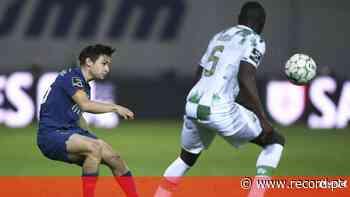 VAR António Nobre falhou em lance capital no Moreirense-FC Porto - Record