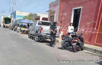 Conductor de una camioneta retrocede y colisiona con una moto en Ticul - El Diario de Yucatán