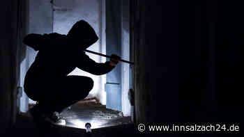 Garching an der Alz: Unbekannte Täter versuchen, sich Zugang zu Geschäft zu verschaffen - Polizei sucht Zeugen - innsalzach24.de