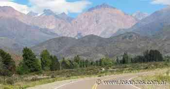 """Audiencia pública para el proyecto """"Cerro Punta Negra"""", en el departamento de Tunuyán - Los Andes (Mendoza)"""