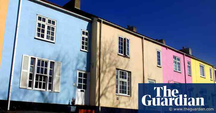 UK house prices increase at fastest rate since 2004