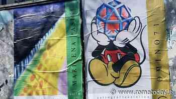 Ostia, la poster art invade le strade: sulle plance del Comune le opere di 40 artisti