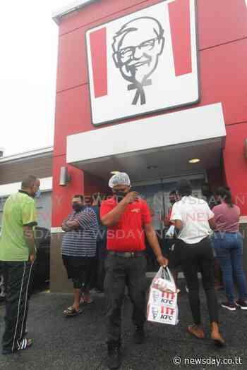 Traffic, long lines for KFC in La Romaine - TT Newsday
