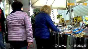 """Via Cola di Rienzo, la giunta Cinque Stelle: """"Via le bancarelle, pronti a commissariare il municipio"""""""