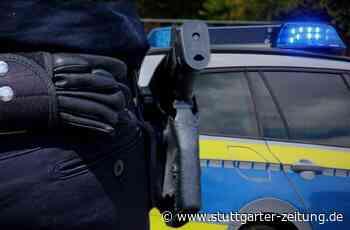Bretzfeld im Hohenlohekreis - Mann geht mit Messer auf Polizisten los und wird angeschossen - Stuttgarter Zeitung