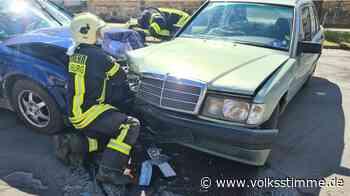 Unfall VW und Mercedes krachen in Quedlinburg zusammen - vier Personen zum Teil schwer verletzt - Volksstimme