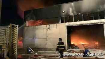Inferno di fuoco alla Rpn a Nocera Inferiore, ipotesi incendio doloso - L'Occhio di Salerno