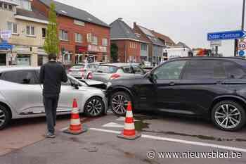 Drie auto's gebotst in Voort