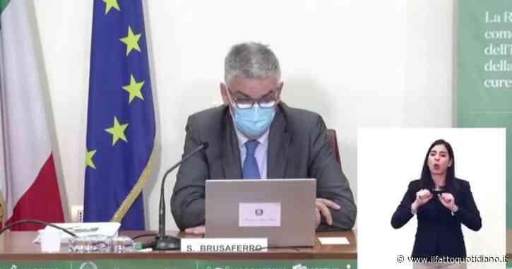 """Coronavirus, Brusaferro: """"Quadro complessivo impegnativo. Incidenza ancora tre volte superiore alla soglia minima per il tracciamento"""""""