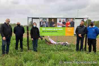 """Boeren willen van zich laten horen met spandoekactie: """"Gronden worden opgekocht en wij hebben niets te zeggen"""" - Het Nieuwsblad"""