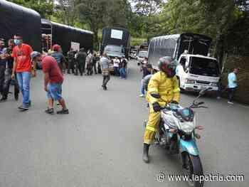 Camioneros bloquean la Troncal de Occidente, en la entrada a Anserma - La Patria.com