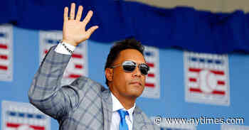 Roberto Alomar Is Placed on Baseball's Ineligible List