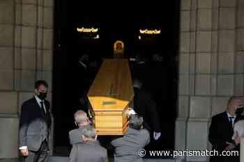 A Neuilly-sur-Seine, le dernier adieu à Yves Rénier - Paris Match