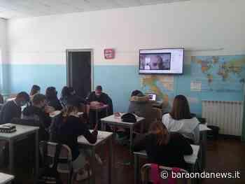 Dalla II Guerra Mondiale ai diritti umani, i ragazzi della Ladispoli 1 incontrano il presidente dell'associazione Suodales - BaraondaNews