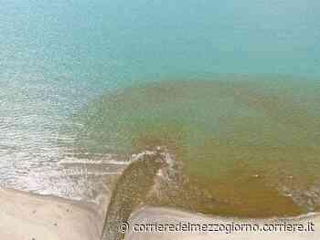 Un fiume di liquami nel lago Patria, lo scempio ripreso dal drone - Corriere del Mezzogiorno