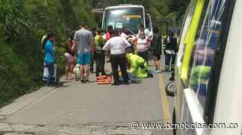 Choque de dos motos en Villamaría deja un lesionado - BC Noticias
