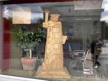 Eysines (33) : la coiffeuse réalise une statue de la Liberté en Kapla - Sud Ouest