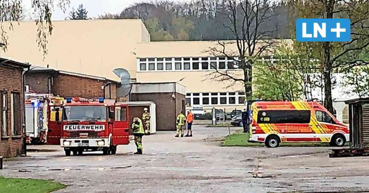 Maschine brannte: Feuerwehreinsatz bei Pelz in Wahlstedt - Lübecker Nachrichten