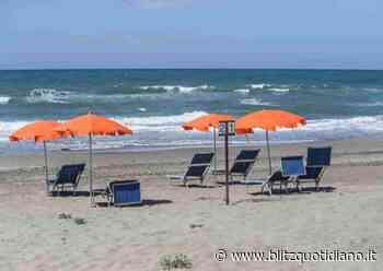 Torre Lapillo, vietato mangiare in spiaggia i panini portati da casa - Blitz quotidiano