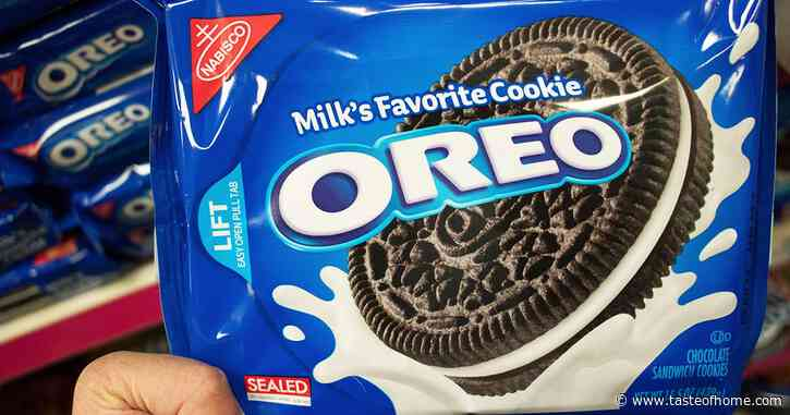 Here's How to Eat an Oreo the RIGHT Way, According to the Oreo Team