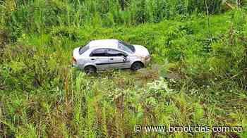 Un vehículo se salió de la vía entre Chinchiná y Palestina - BC NOTICIAS - BC Noticias
